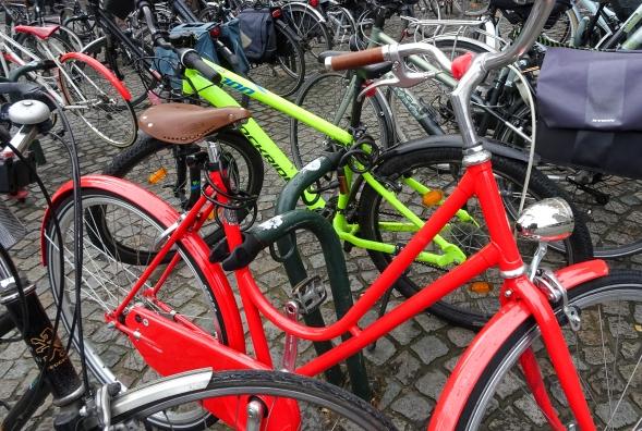 E3_The Red Bike